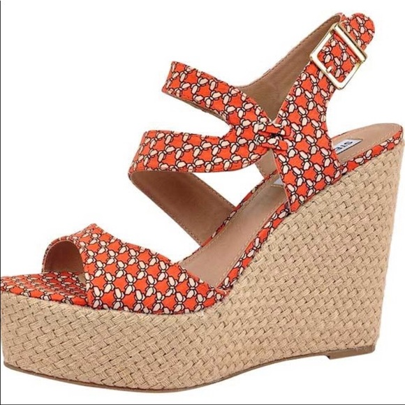 0c308e99dc7 Steve Madden Shoe 7.5 Heel Wedge Strap Sandal Dot.  M 5bafd20cbaebf6694916ca61